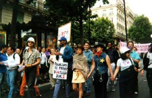photo-marcheLGBT2001