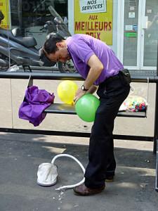 Beaucoup de travail pour le gonflage des ballons.