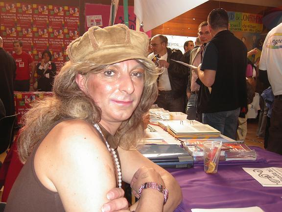 Une de nos animatrice et de surcroit cette année, décoratrice du stand : Bravo Marianne