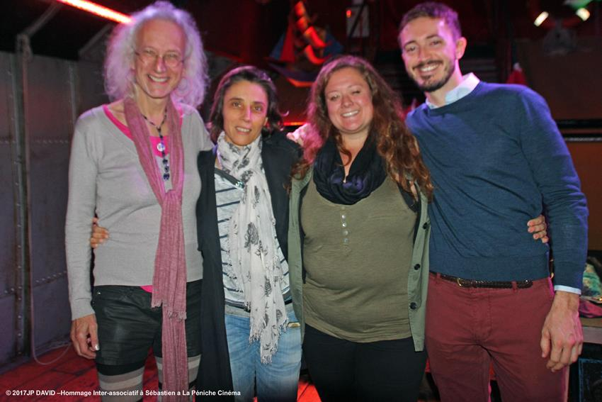 avec de gauche à droite ; VIncent Strobel Co-Présidente de Bi'Cause Valérie Baud CO-présidente de Bi'Cause Aurore Foursy Présidente de l'INter-LGBT Yannick de SOS homophobie